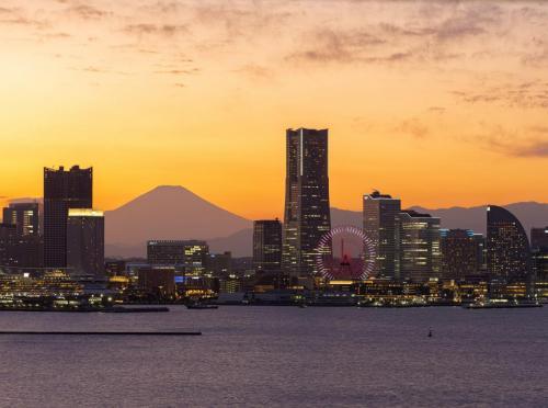 Sky Walk, Port of Yokohama with Mt. Fuji